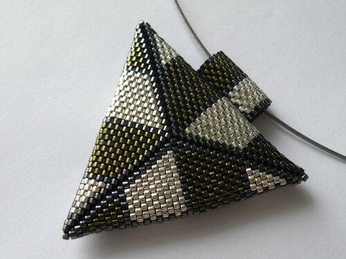 Объемный треугольник делала в