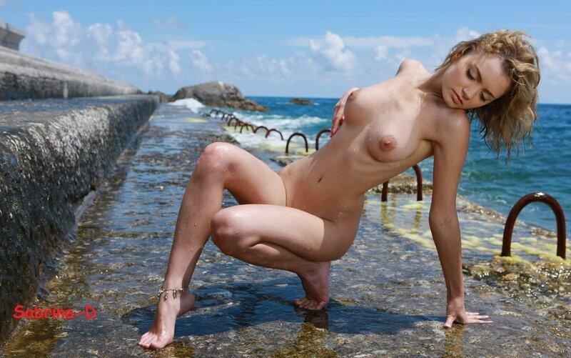 голые девушки с короткими воло фото