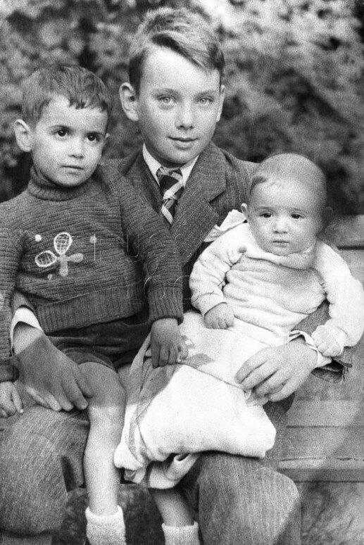 Алексей Баталов с братьями Михаилом и Борисом Ардовыми