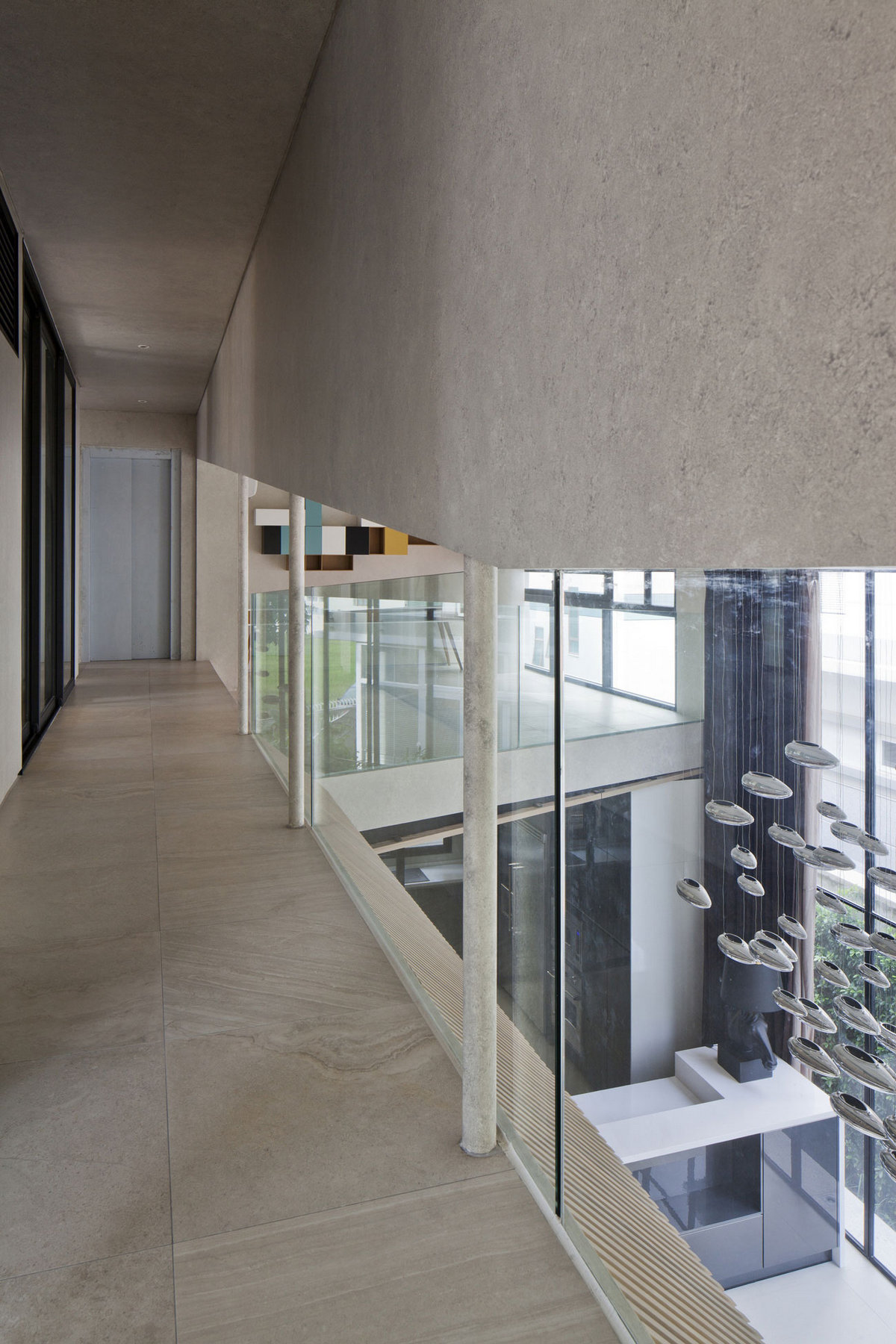 Nha Dan Architect, дома во Вьетнаме, особняки Вьетнам, бассейн на крыше дома, бассейн в частном доме фото, элитная недвижимость Вьетнам