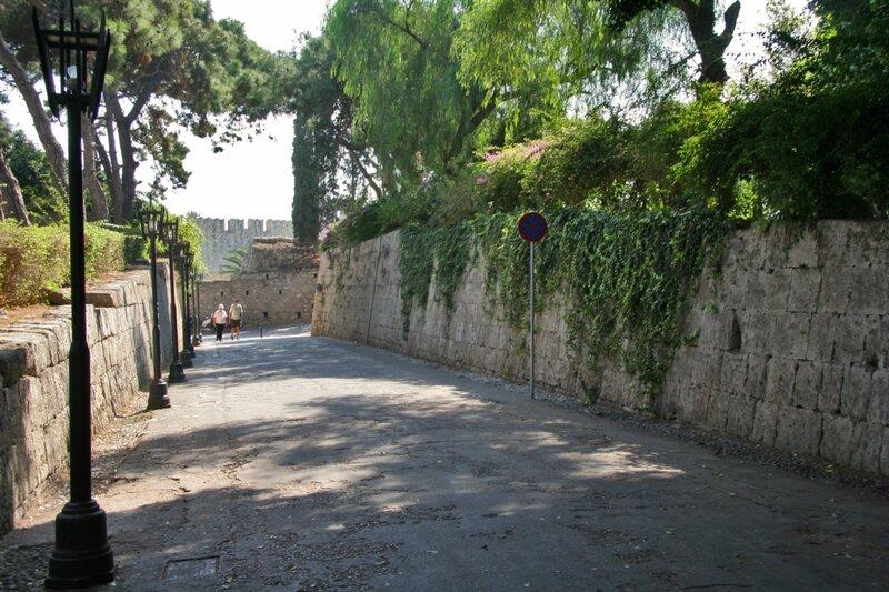 Вход в Родосскую крепость
