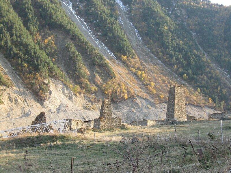 Остатки древнего села недалеко от селения Тиб (IMG_9841.JPG)