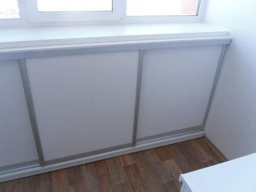 Шкаф под подоконником на балконе своими руками