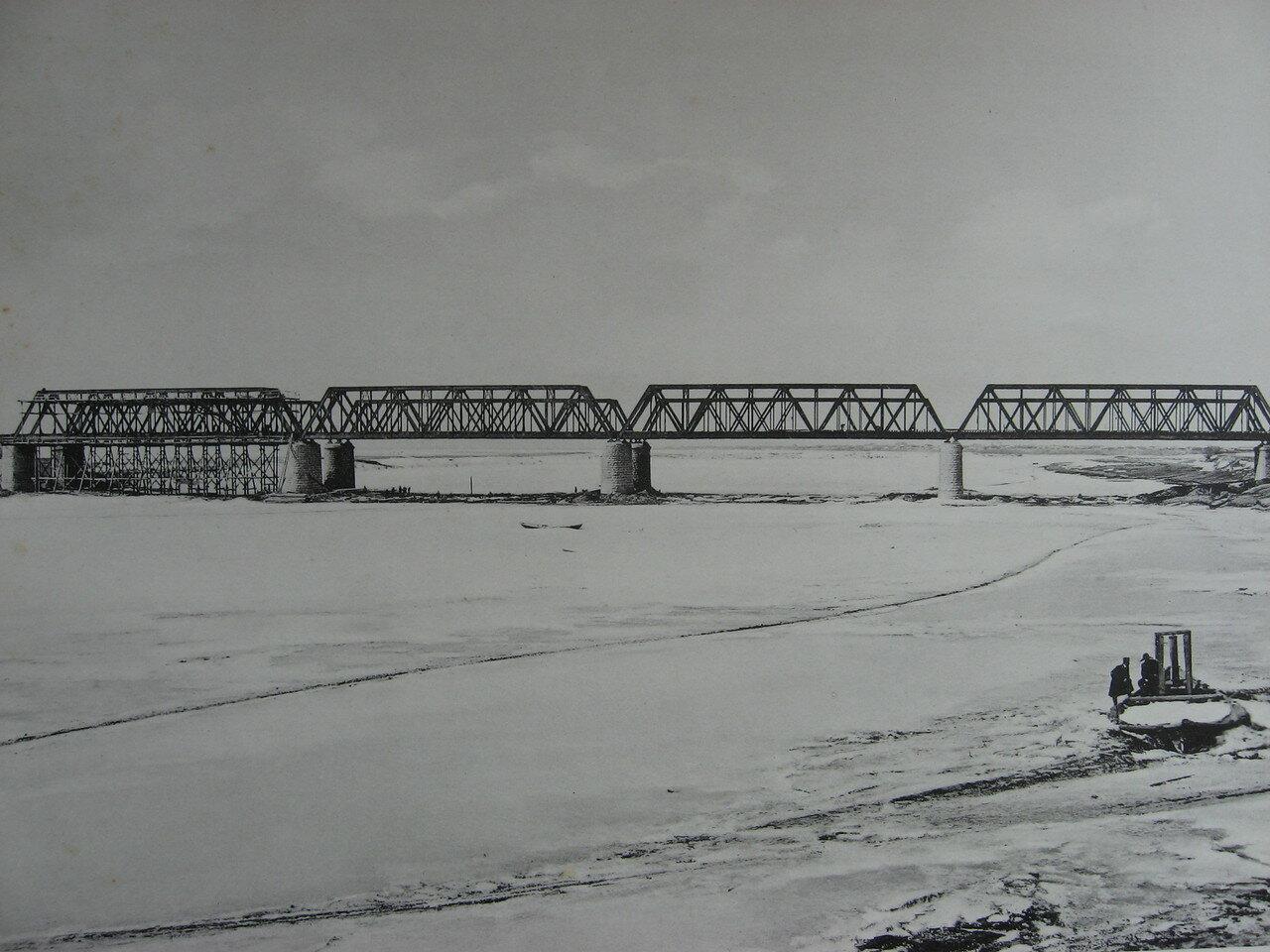 86. 2985 верста. Общий вид моста через р. Белую. Строительный период 1910-1911