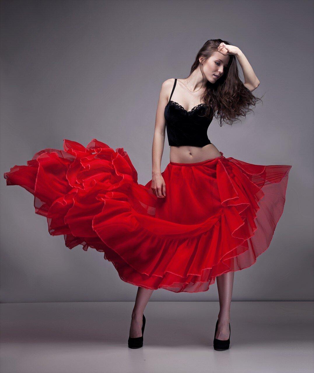 Испанка фото девушек в платье