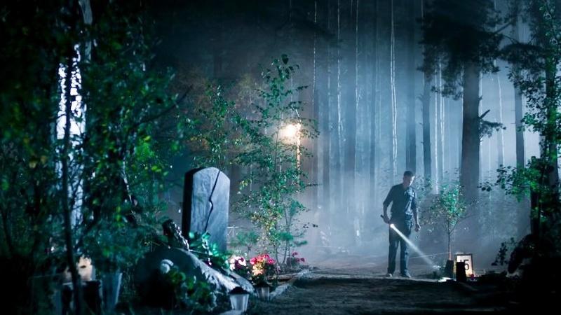 Жуткое ночное кладбище