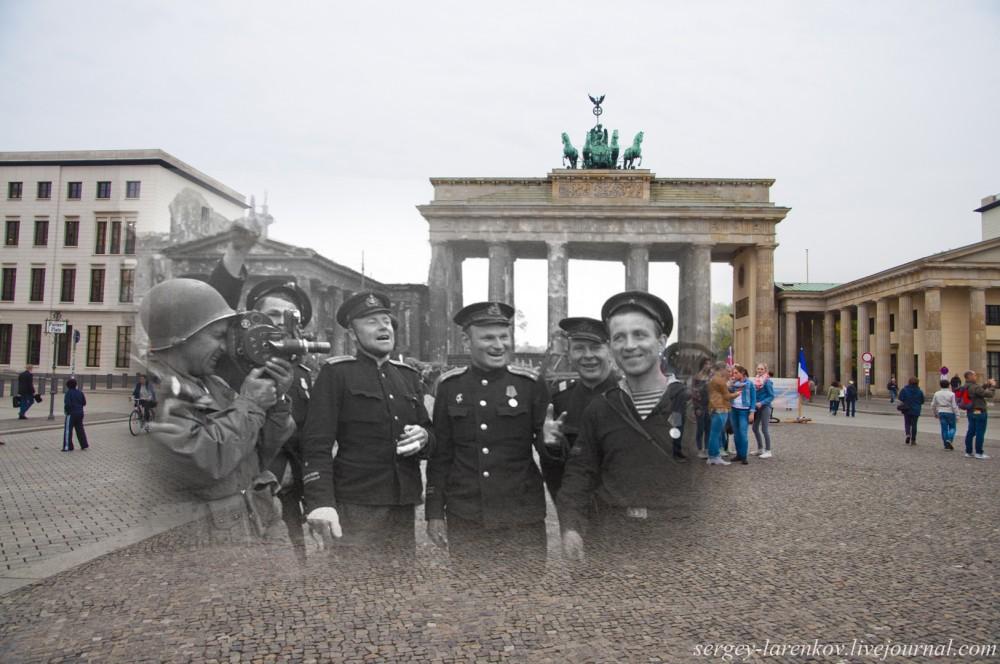 3 Берлин 1945-2014. Моряки у Бранденбургских ворот..jpg
