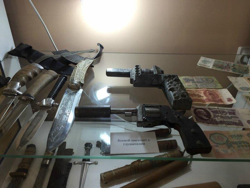 Самодельное огнестрельное и холодное оружие заключенных