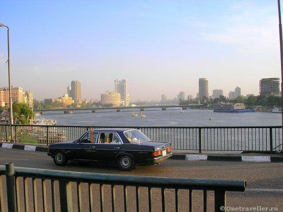 Египет. Вид на Каир с моста над рекой Нил.