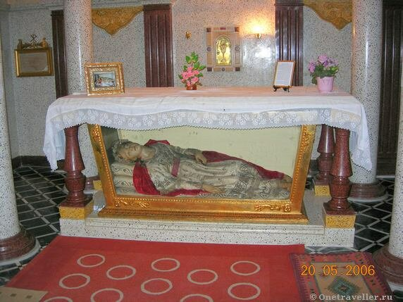 Египет. Александрия. Мощи святой Сабины в католическом костеле во имя святой Екатерины.