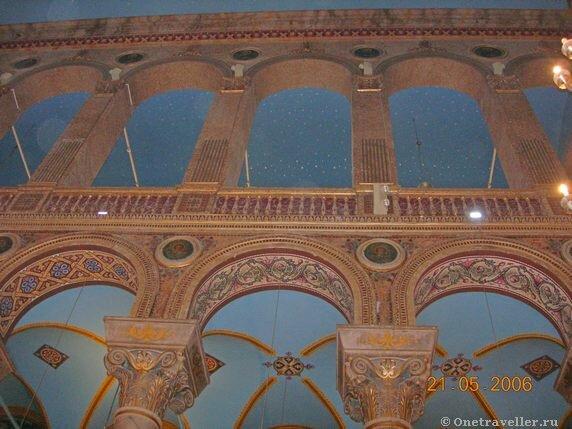Египет. Александрия. Внутри православного собора.