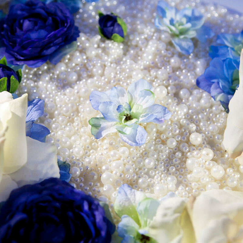glass beads with artificial flowers
