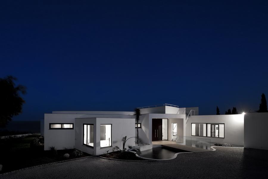Роскошный Colunata House в Португалии от Марио Мартинса