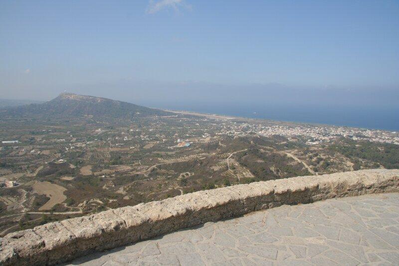 Вид на окрестности со смотровой площадки Филеримского монастыря