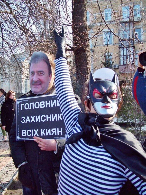 Бетмен на митинге 17 марта 2012 г.