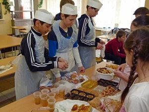Ярмарка в школе 1011 в Солнцево