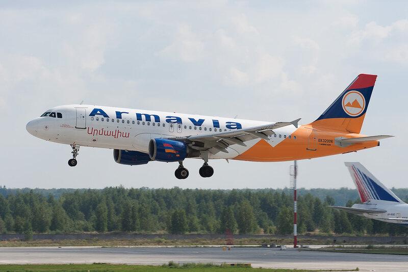 Airbus A320-214 (EK32006) Armavia DSC2879