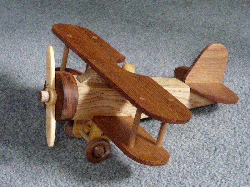 Макеты самолет из дерева