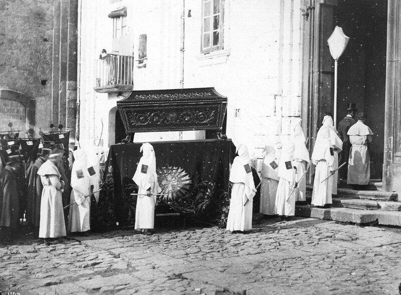 Neapolitan Burial
