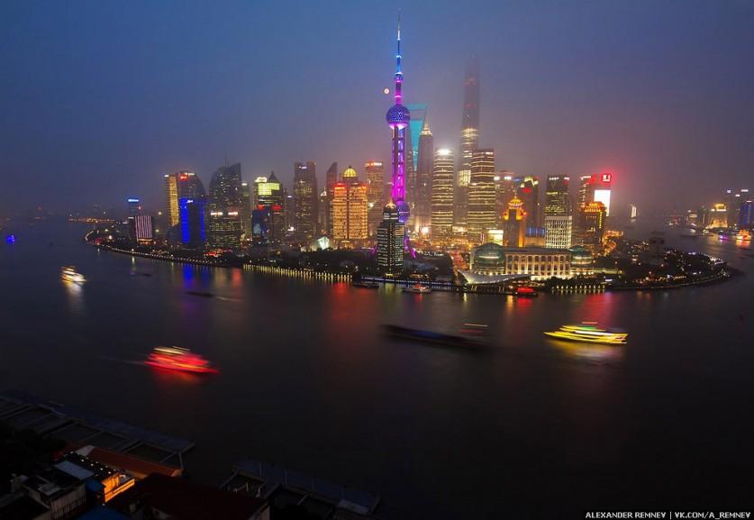 Три самых высоких здания в Шанхае: Jin Mao Tower (421m), Financial Center (492m), Shanghai Tower (63