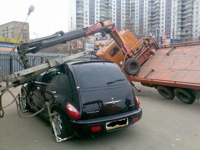 0 70299 23a59348 orig 60 самых нелепых автомобильных происшествий