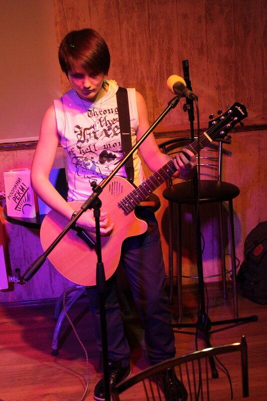 Группа 'Вторая тень' в 'Абриколь', Саратов, 18 марта 2012 года