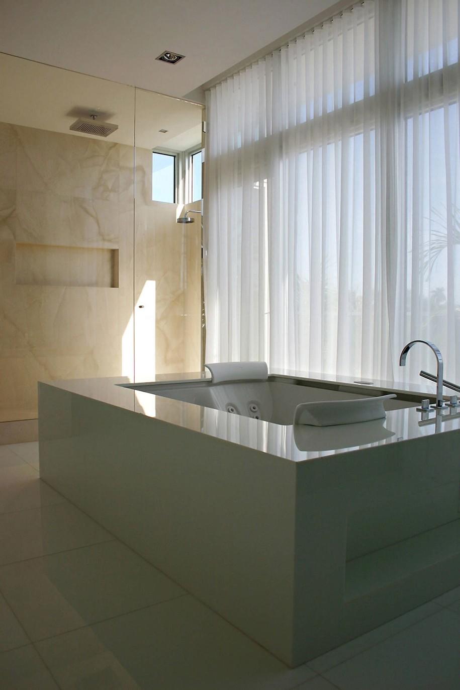 Norht Bay Residence в Майами Дейд от Touzet Studio