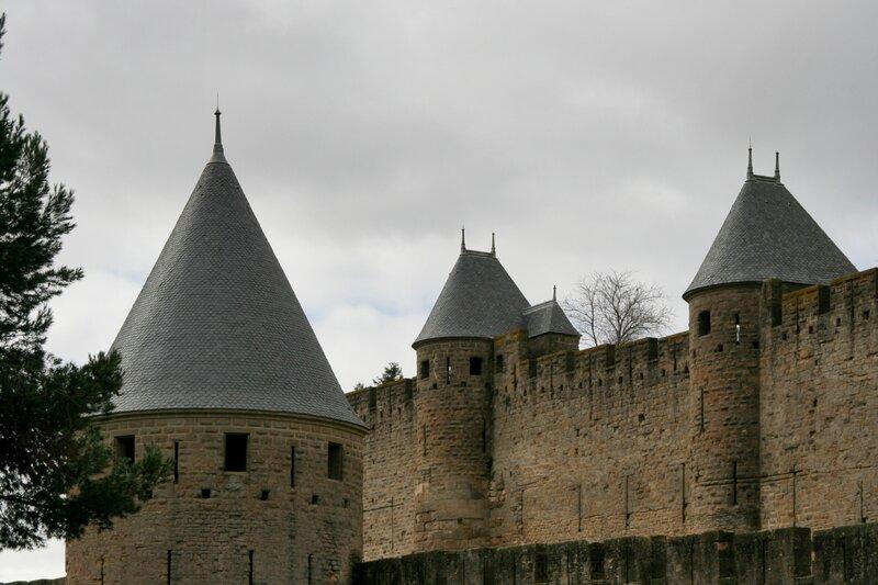 Стены и башни крепости Каркасон