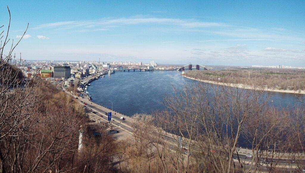 Панорама с нижней площадки обозрения Хрещатого парка