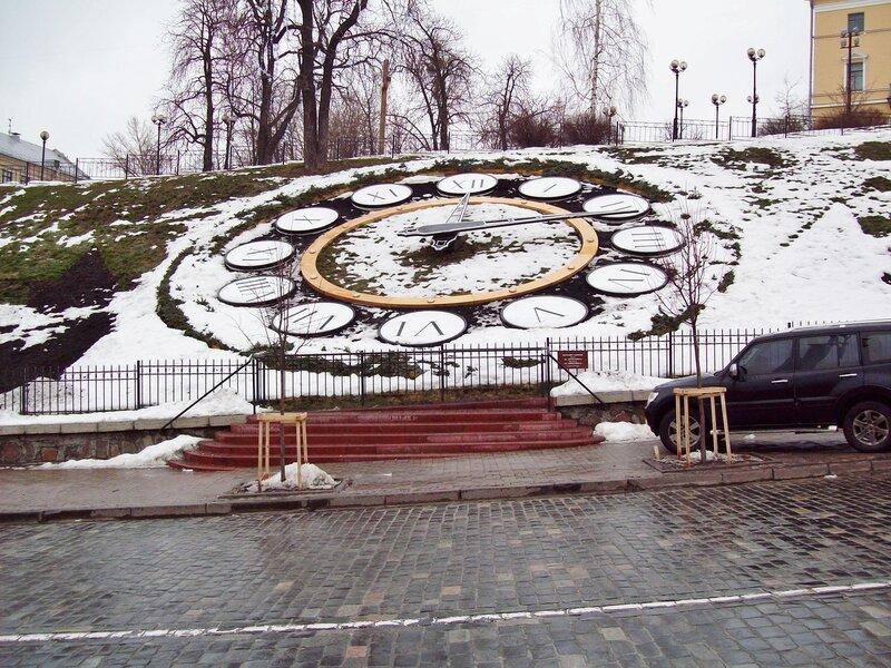 цветочные часы под снегом