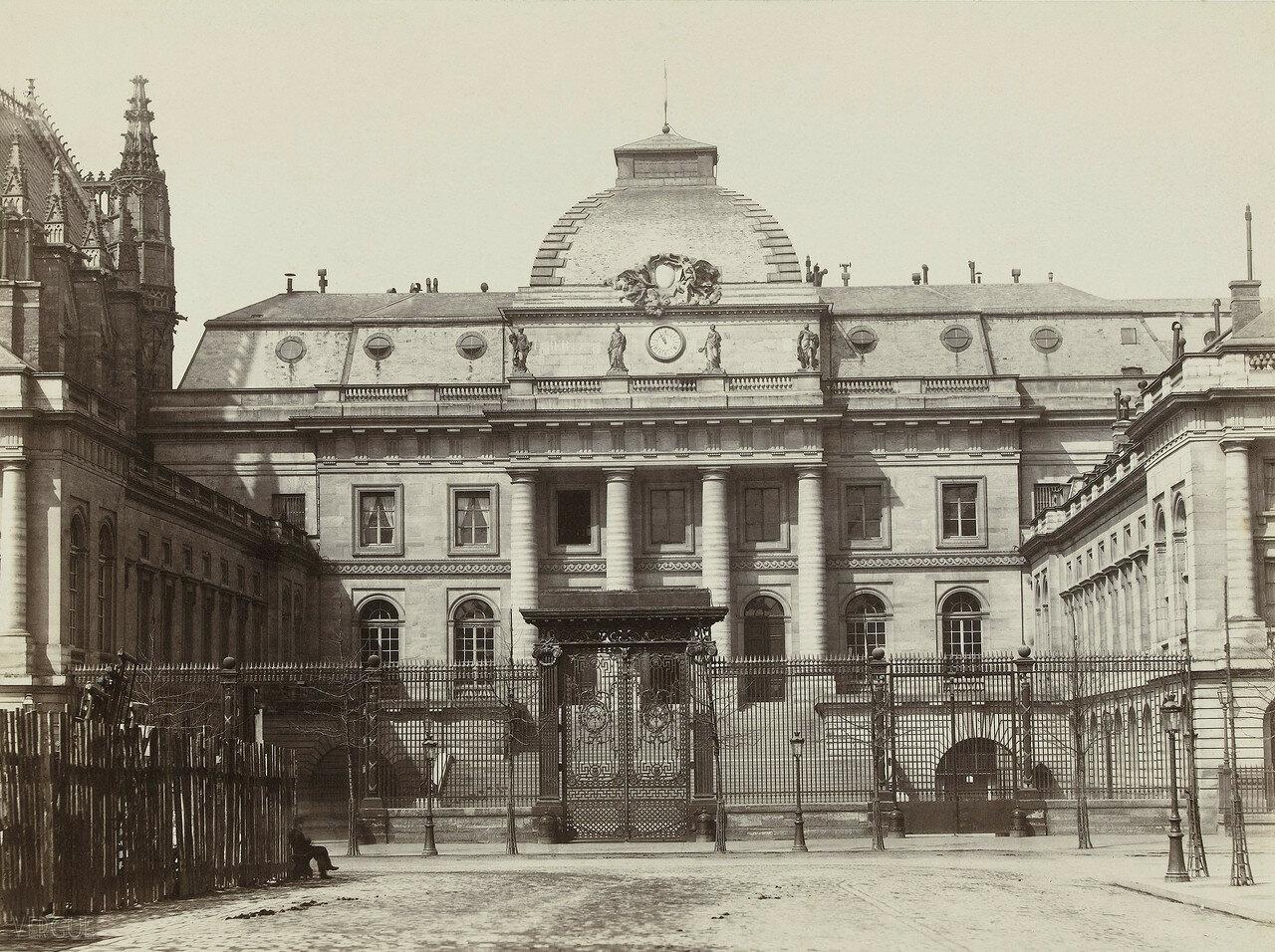 1865. Здание суда