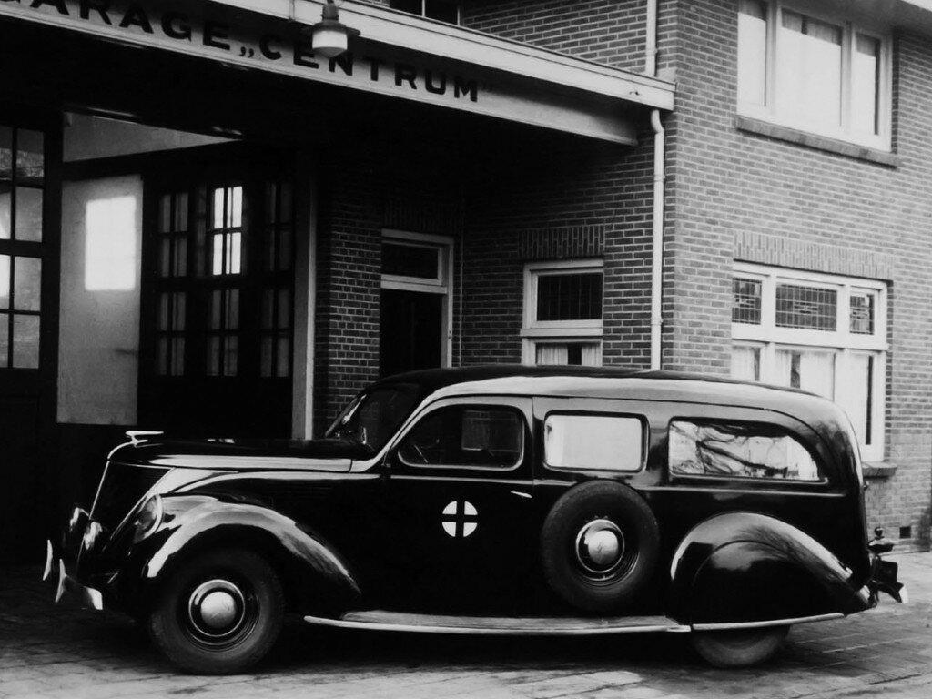Lincoln Zephyr Ambulance '1936 1.jpg