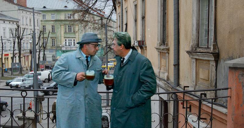 Юрий Никулин и Евгений Евстегнеев пьют пивасик