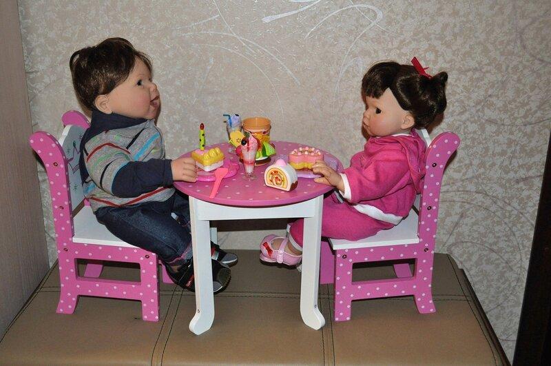 Как сделать стол своими руками для кукол монстер хай