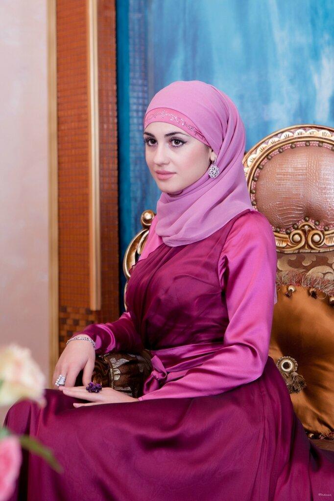 фото жена кадырова медни