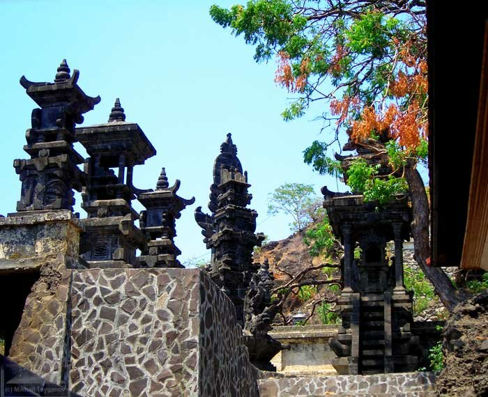 Храм Пулаки