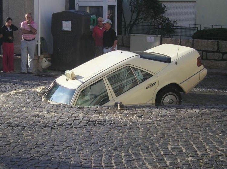 0 70283 9bd5d6a orig 60 самых нелепых автомобильных происшествий