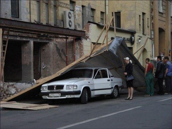 0 7028a 79c5195c orig 60 самых нелепых автомобильных происшествий