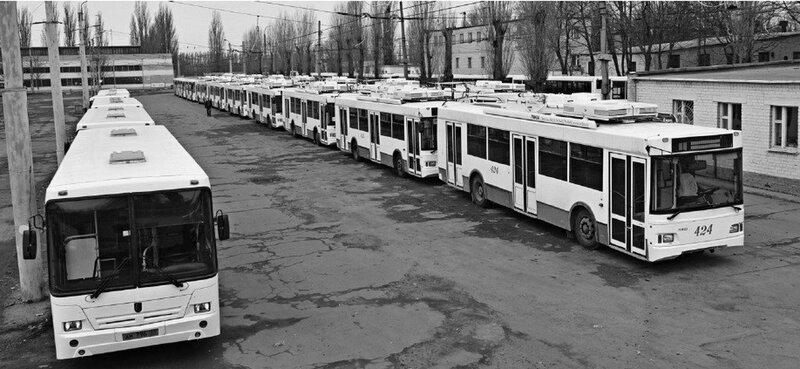 Новые Троллейбусы и автобусы в парке, март 2011, фото Б.Ечина