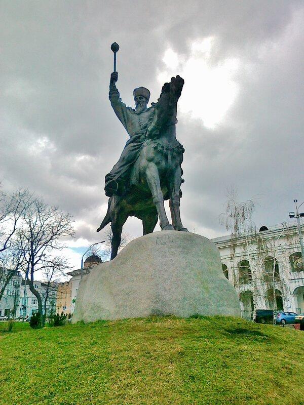 киев Памятник гетману Петру Сагайдачному