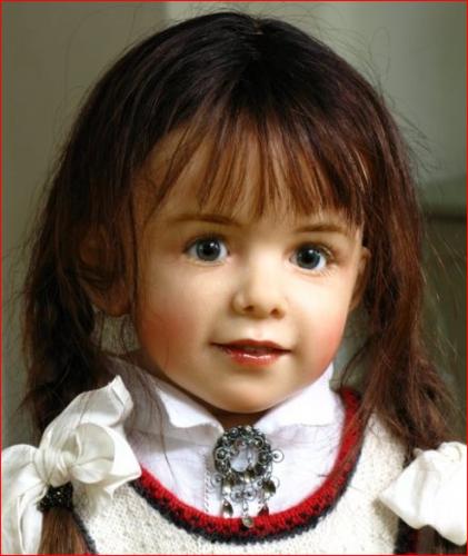 Как из мальчика сделали куклу
