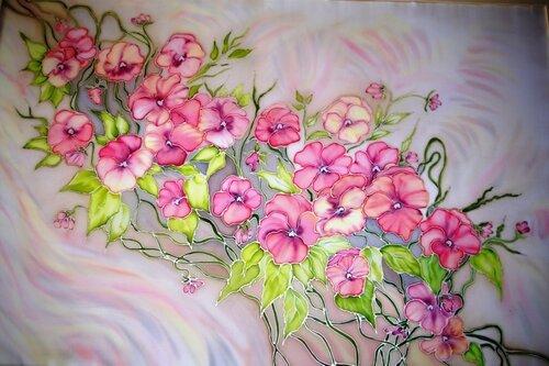 Розовые анютки на бежевом