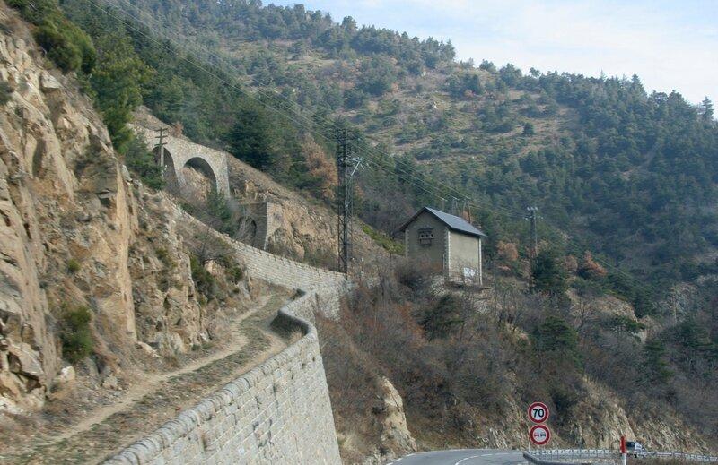 Линия железной дороги в Восточных Пиренеях