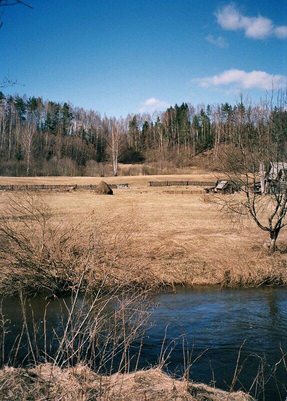 Деревня на берегу реки Серёжа, Тверская область