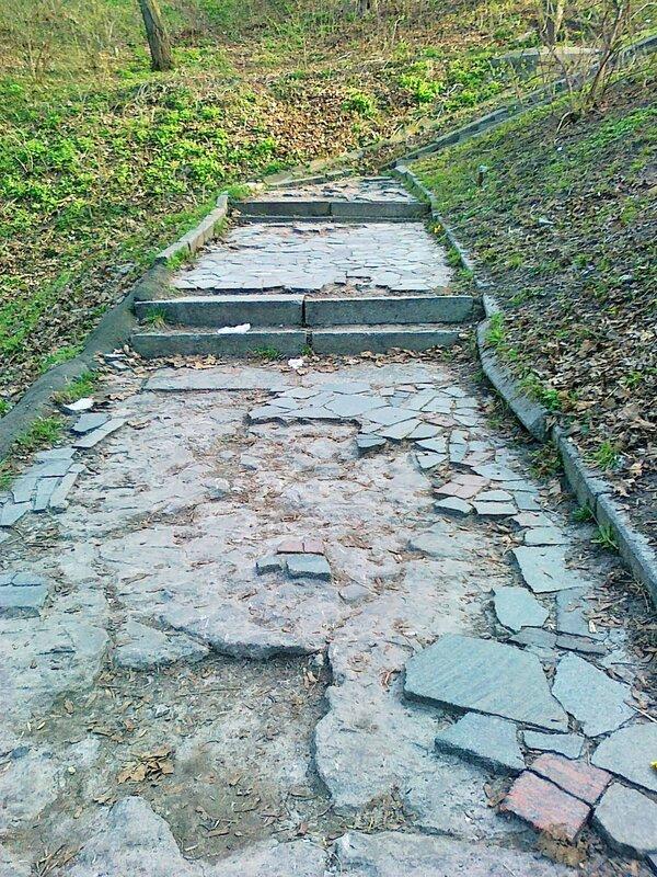 Площадка между пролетами лестницы
