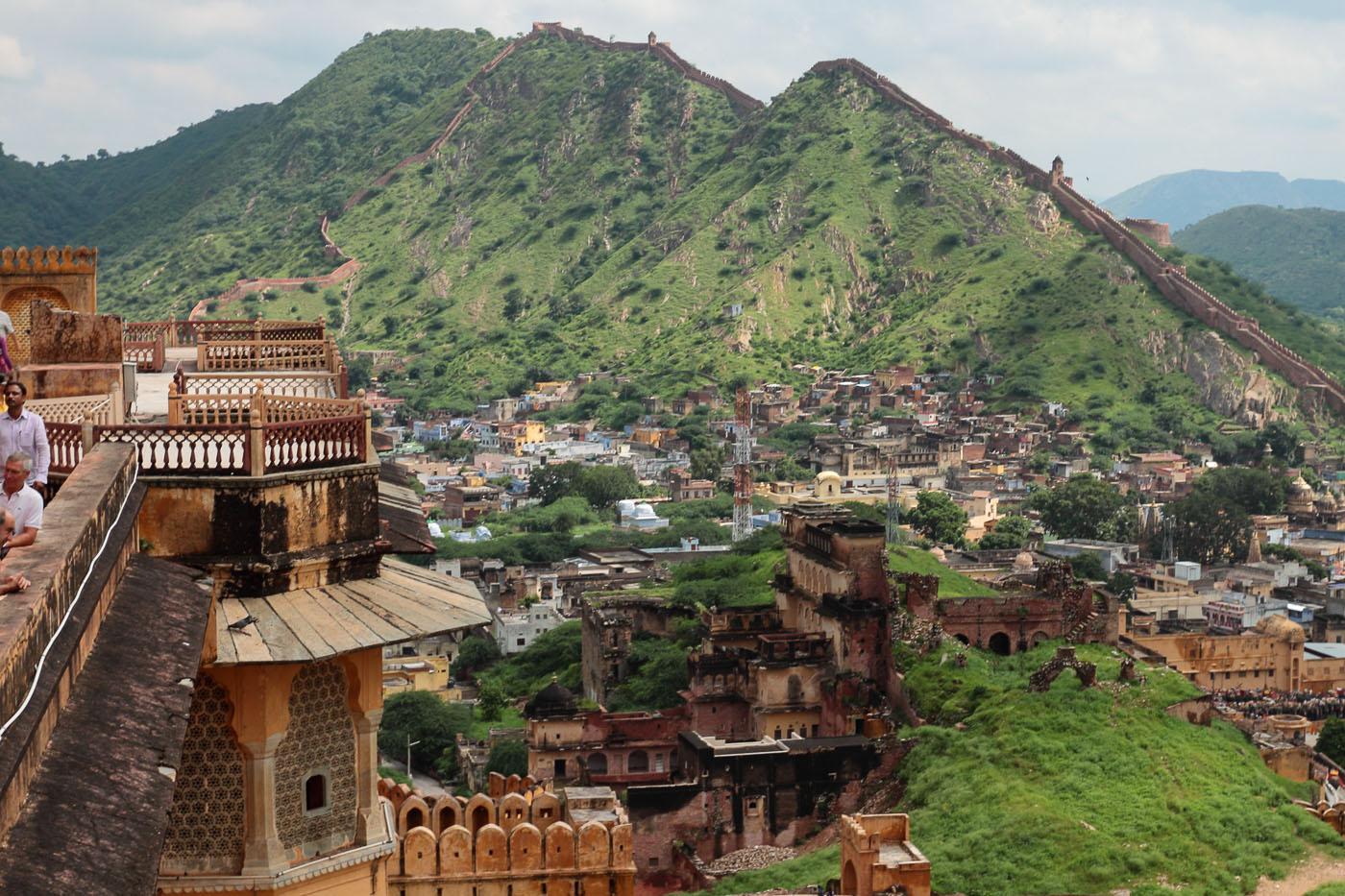 """Фото 7"""". Поездка на экскурсию по Золотому треугольнику Индии. """"Великая Китайская Стена"""" в Джайпуре"""