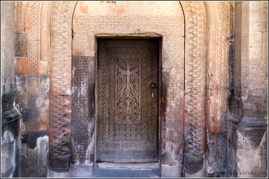 Монастырь Хор Вирап. Внутренняя дверь