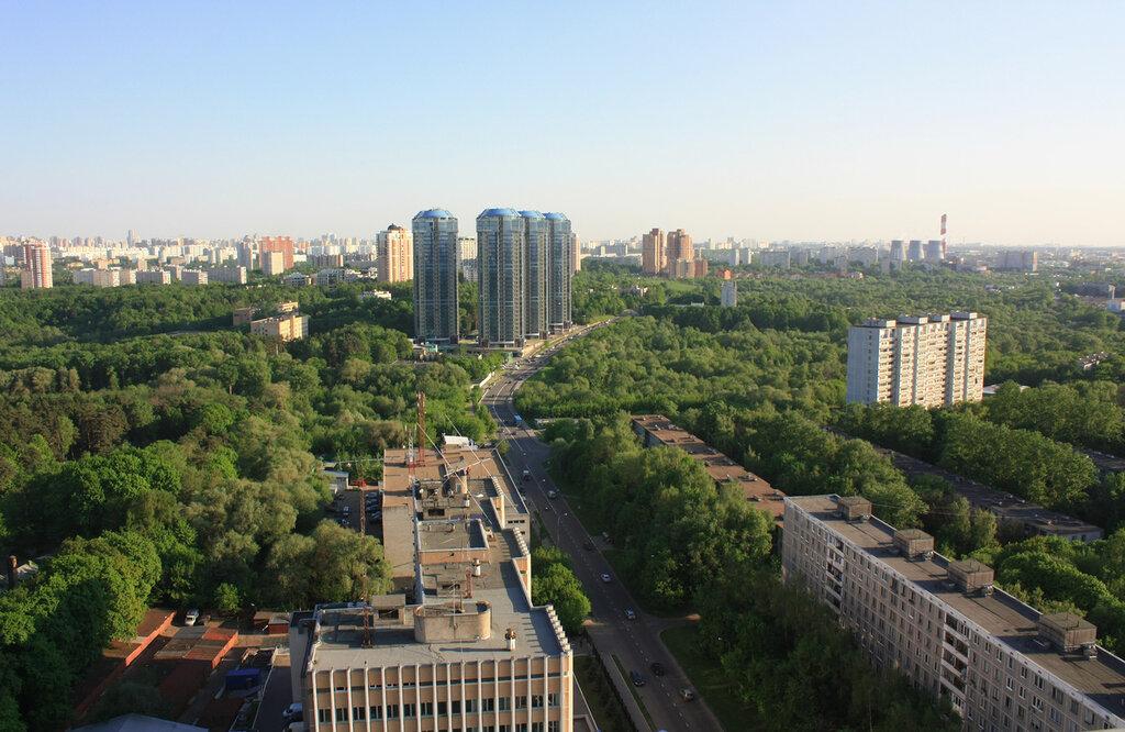 Москва, жилой дом на метро