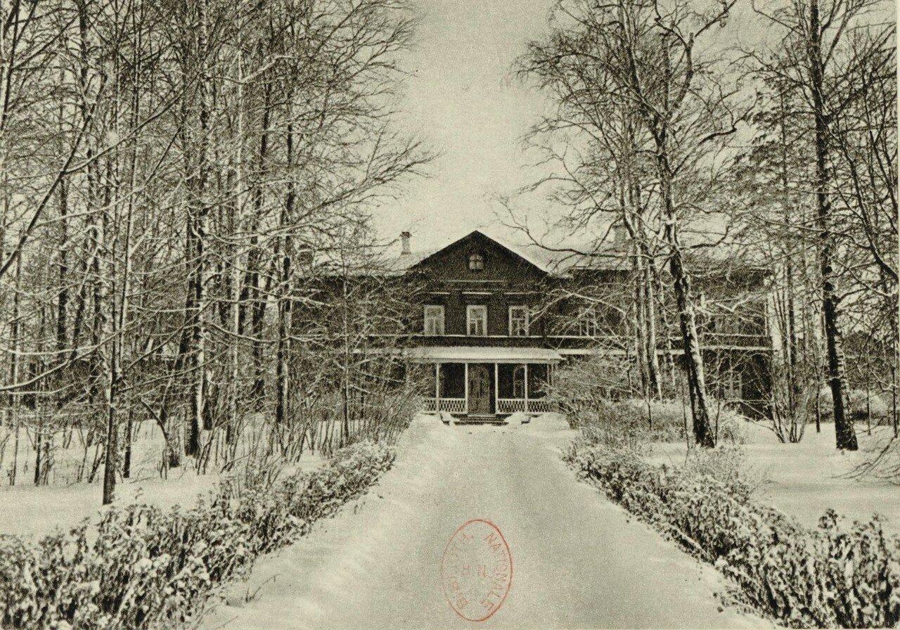 Дом-музей П.И.Чайковского зимой