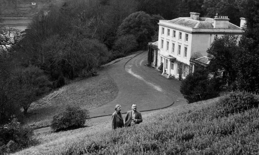 Christie, Agatha, 15.9.1891 - 12.1.1976, British author / writer, with husband Max Mallowan, Greenway House, Devonshire, January